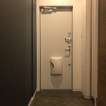 玄関もゆったりと