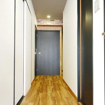 廊下は幅がしっかりあります