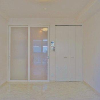 お部屋の広さもまずまず。※写真は別部屋
