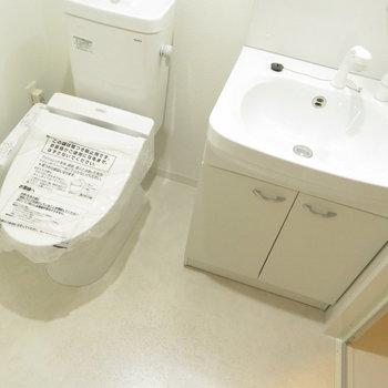 トイレと洗面台が同じ空間に