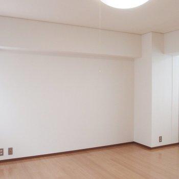 お部屋の両側に窓が※写真は同間取りの10階のお部屋