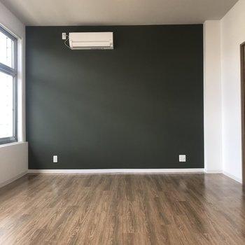 どんな家具も映えるダークグリーンが素敵※写真は前回掲載時のものです