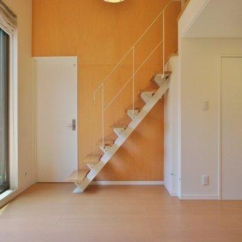 壁が木の色でナチュラルかわいい※写真は前回募集時のものです