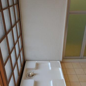 もちろん洗濯機は室内におけますよ。(※写真は1階の反転間取り別部屋のものです)