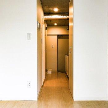 玄関まで一直線!
