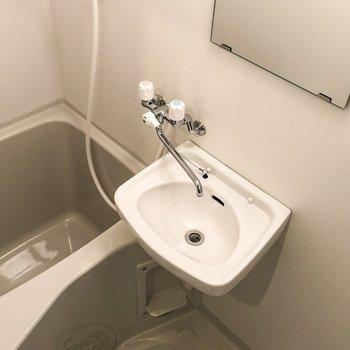 洗面台とお風呂は仲良しコンビです