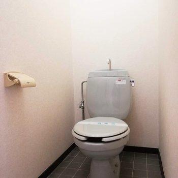 トイレは別になっています