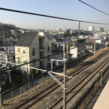 電車を眺めて。※写真は前回募集時のものです