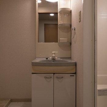 嬉しい独立洗面台。※写真は一部通電前のものです