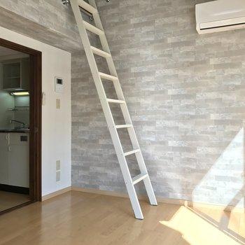 キッチンと別れているのも良いですね※写真は2階の同間取り別部屋のものです。