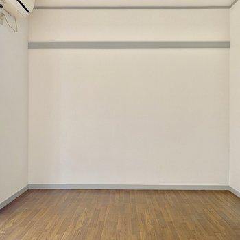 【洋室】どんな家具でも合いそうですね