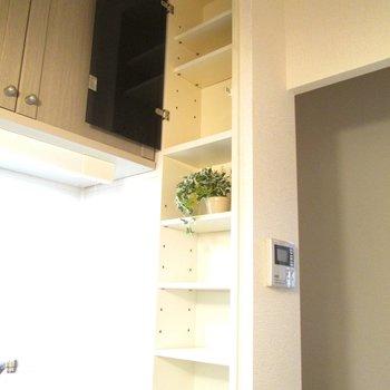 棚もあるので色々飾ったりできます。※写真はモデルルームになります