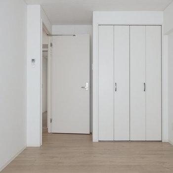 寝室に使おうかな。※写真はB棟の1階同じ間取り別部屋のものです。