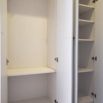 玄関にも大容量の収納。※写真は3階の同間取り別部屋のものです