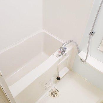 浴槽もしっかりと完備!※写真は3階の同間取り別部屋のものです