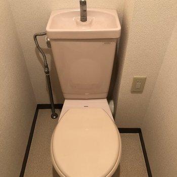 トイレはしっかり個室で。