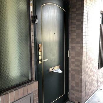 エレベーター降りたすぐ目の前!