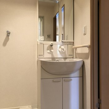 嬉しい独立洗面台です※写真は前回募集時のものです