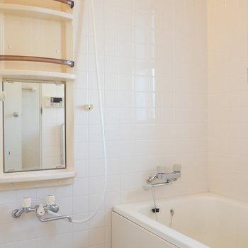 浴室。ファミリーに嬉しい追焚機能つき。※写真は前回募集時のものです
