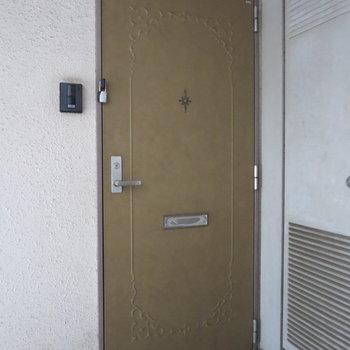 レトロな雰囲気の扉がステキ