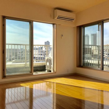 【上階洋室】二面採光の明るいお部屋!