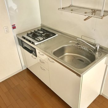 1人暮らしに充実したキッチン