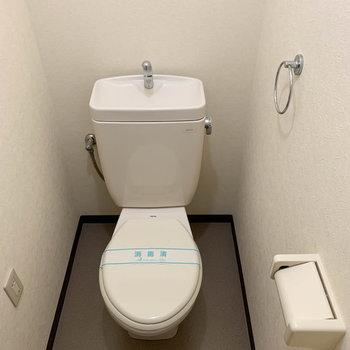トイレもちゃんと独立してます。