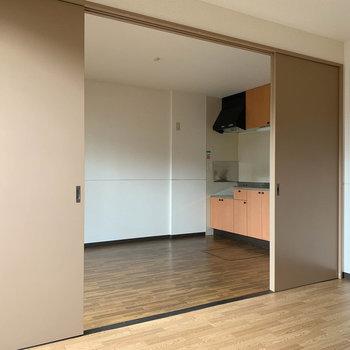 扉を前回にすれば大きめの一部屋として。