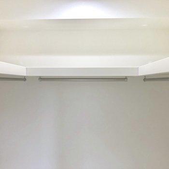 上段にも置けます!季節物の収納もちゃんとできそう※写真は2階の反転間取り別部屋のものです。