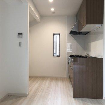 キッチンスペースは広く感じました※写真は2階の反転間取り別部屋のものです。