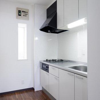 キッチンは調理スペースも十分あります。