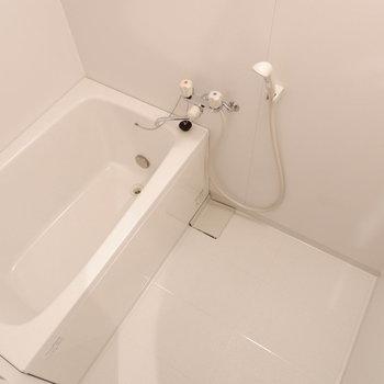 お風呂など水回りも清潔感あります。