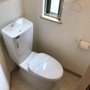 トイレは少し変わった形。