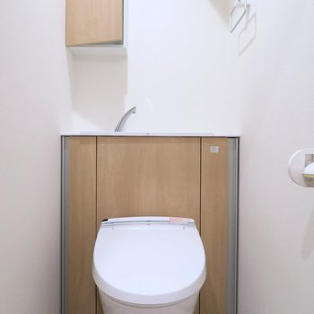 トイレには手洗い場も!