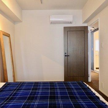 こっちが寝室かなぁ。※2階反転間取り別部屋のものです。