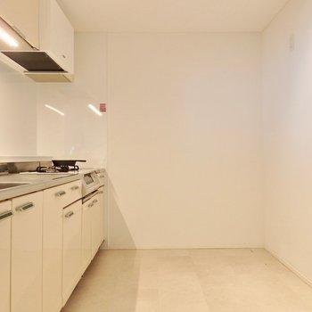 めっちゃ広い!食器棚置ける!※2階反転間取り別部屋のものです。