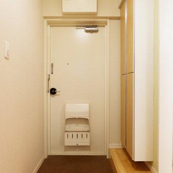 玄関スペースゆったりですね。