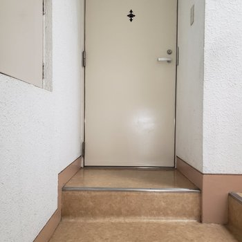 階段を上がってすぐのお部屋。