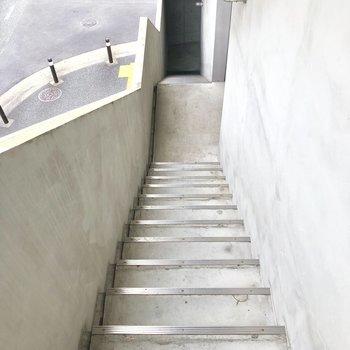 階段はタッタッタと行きましょう◎※写真は前回募集時のものです。