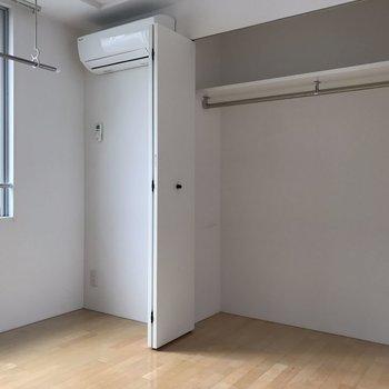 【4.5帖洋室】クローゼット広々! ※写真は2階の同じ間取りの部屋となります。