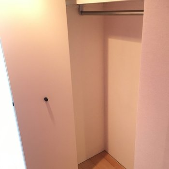 収納はここだけなんです。。※写真は4階の同間取り別部屋です。