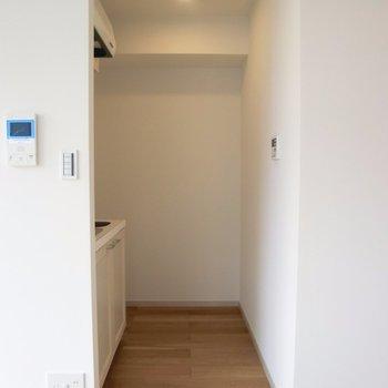キッチンスペースは半個室♪※写真は4階の同間取り別部屋のものです。