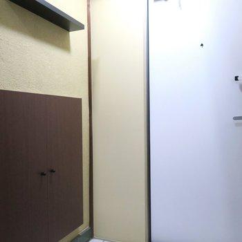 玄関収納もあります