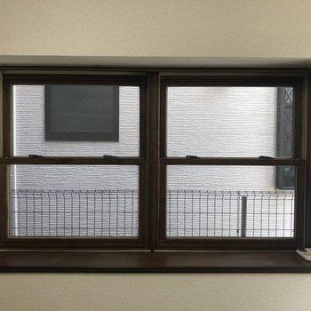 窓枠がかわいいですね