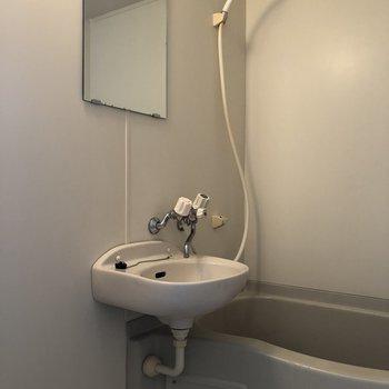 2点ユニットだと、掃除が楽ちんですね〜※写真は1階の同間取り別部屋のものです