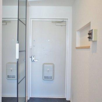 玄関に全身鏡がうれしい