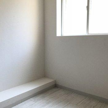洋室がもう一部屋。