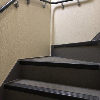 3階までは階段を頑張りましょう!運動大切!