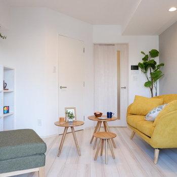 色物がしっかりと映えるお部屋です。※写真は7階の同間取り別部屋のものです。