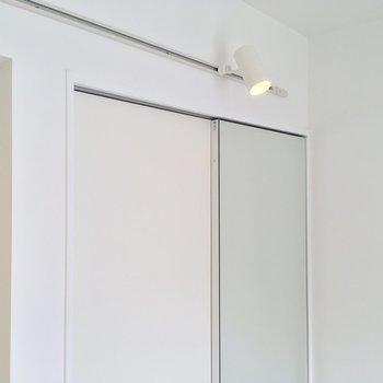 しかも扉が鏡!スタジオじゃん〜